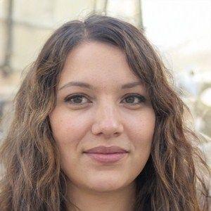 jeune fille voulant fonder un couple à Avignon