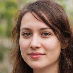jeune fille célibataire voulant fonder une famille à Avignon